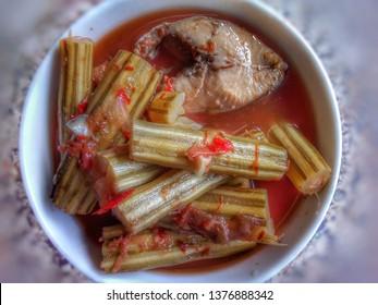 Curry citrus Moringa fish , sour soup made of tamarind paste