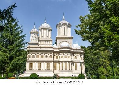 CURTEA DE ARGES, ROMANIA -JULI 24,2016 Arges Monastery. The Cathedral of Curtea de Arges, Romanian Orthodox Monastery. Curtea de Arges, Romania.