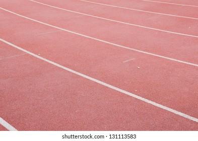 Curve running track