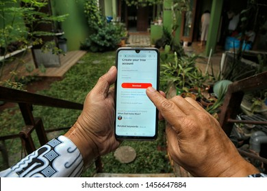 A customer is downloading photos from Shutterstock in Bekasi, West Java, Indonesia, on July 20, 2019.