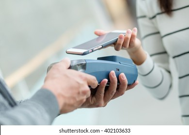 Customer pay by smart phone by NFC