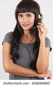 customer support asian woman smiling beautiful. asian female customer support operator with headset and smiling.