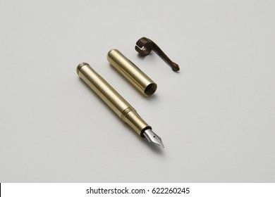 Customizable brass fountain pen with superior vintage copper body finishing. Meant for daily use or collection.