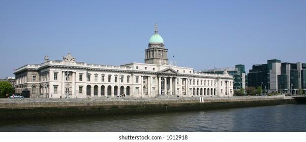 Customs House Dublin (Classical Building )