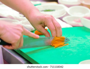 cut carrot for cooking