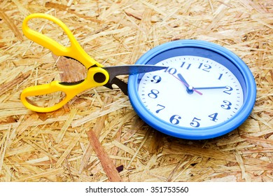 cut the time (clock and scissor)