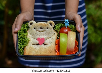 Cute Bear Toast with Apples, Tomato and Vegetables Bento