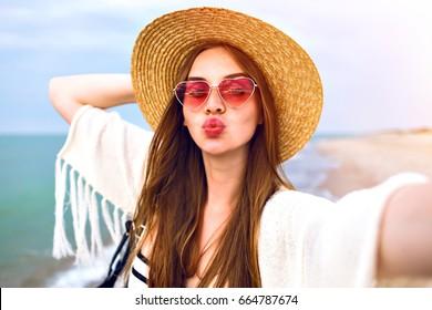 Резултат со слика за photoos of women summer sunglasses
