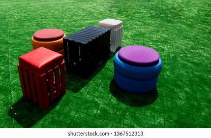 CUTE DIY TIRE CHAIR WITH WOOD TABLE