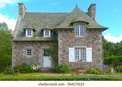 Cute house with garden in Normandy France