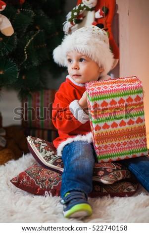 6b11c3ffe543 Cute Little Boy Santas Suit Sitting Stock Photo (Edit Now) 522740158 ...