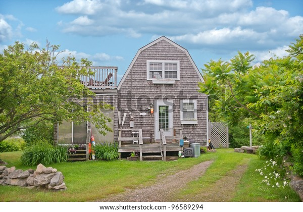 Cute little cedar shakes bungalow style house in Kennebunkport Maine.