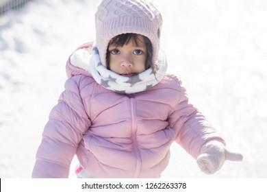 0aeadd56e Stock fotografie na téma Closeup Winter Portrait Cute Little Girl (k ...