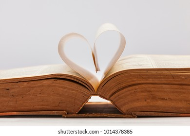 Cute and Lovely Heart Shape made from book pages, Book heart, valentine  background