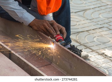 Cutting  large steel  with  Plasma cutters.