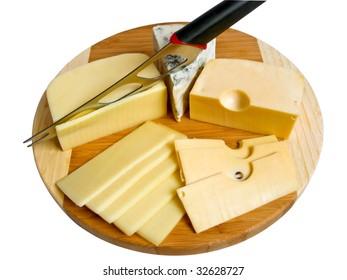 Cutting of three grades of fresh cheese