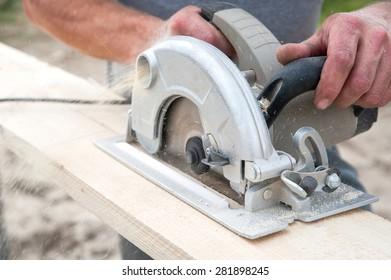 Cutting wood hand power saw