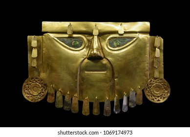 Cuzco / Peru - 07.12.2017: Golden Mask of the Peruvian Lords from the Lambayeque and Chimu jewellery.