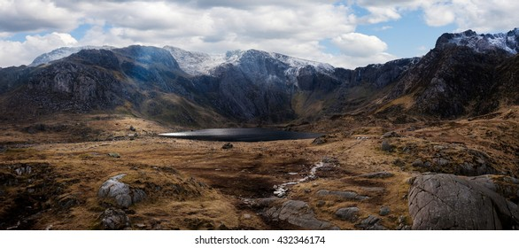 Cwm Idwal is a spectacular hanging valley in the Glyderau mountains sculpted by glacial ice thousands of years ago, in the northern Snowdonia national Park, Wales.