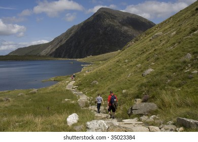 Cwn Idwal and the views from the Devils Kitchen Snowdonia North Wales