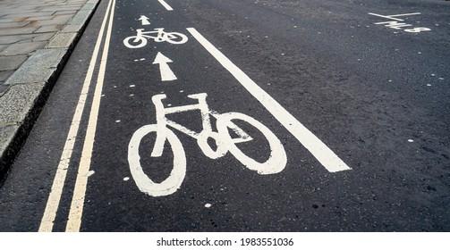 Cycle Lane symbol on inner-city street
