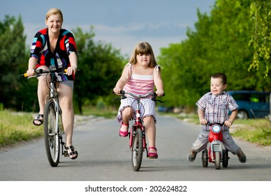 cycling with family/cycling with family