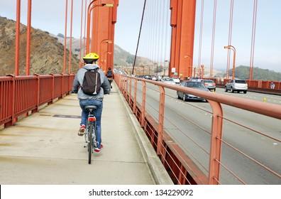 Cycling in the Golden Gate bridge, San Francisco, Usa