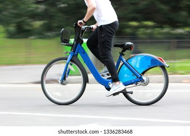 Cycling solo and tandem motion