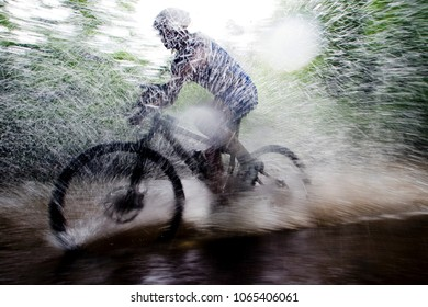 Cyclist in mtb competition