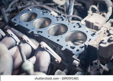 cylinder head gasket replacement in car service