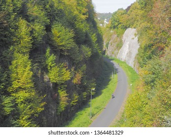 Cylists are under way on so-called Nordbahntrasse, an earlier railway line in Wuppertal/Germany, in September 2018. Here in a deeply cut valley section