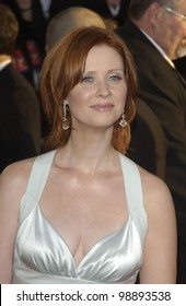 CYNTHIA NIXON at the 61st Annual Golden Globe Awards at the Beverly Hilton Hotel, Beverly Hills, CA. January 25, 2004