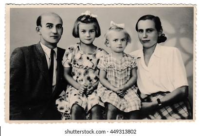 1950s Family Images Stock Photos Vectors Shutterstock