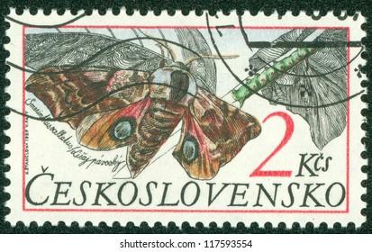 CZECHOSLOVAKIA - CIRCA 1987: A stamp printed in Czechoslovakia showing Eyed hawk moth circa 1987