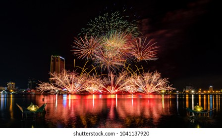 Da Nang city, Vietnam ,30 April 2017 : Danang International Fireworks Festival will be held every 2 years. Many Excellent Firework team will be shown at the Best Fireworks Festival in the World.