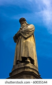 Da Vinci statue over the blue sky
