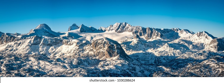 The Dachstein is the highest mountain of upper austria. Here you can see its glacier from the Krippenstein peak