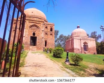 Dadi Poti Tomb India