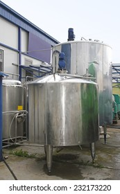 Dairy factory tanks for milk chilling and refrigeration