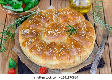 Daisy bread of meat buns filled with ground beef