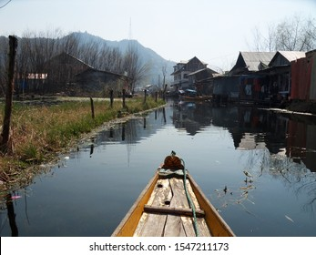 The Dal Lake is Srinagar's most distinctive landmark. The best way of exploring the lake and the sites on its shores by Shikara boat.