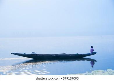 Dal lake at sunrise, Srinagar, Kashmir, India.