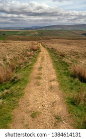 A Dales High Way is a long-distance footpath in northern England. It is 90 miles long and runs from Saltaire in West Yorkshire to Appleby.  This section is between Malham & Skipton