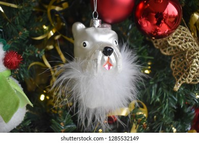 the dall on Christmas tree