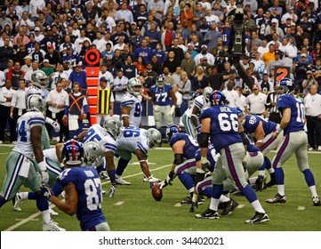 DALLAS - DEC 14: Taken in Texas Stadium on Sunday, December 14, 2008. Eli Manning and the NY Giants in a game against the Dallas Cowboys.