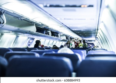 Dallas, Texas - 2 February, 2013: Passengers boarding a Southwest Airlines Boeing 737-800