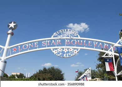 DALLAS, TX, - October 11, 2015: Lonestar state sign in the entrance of the Texas State Fair in Dallas.