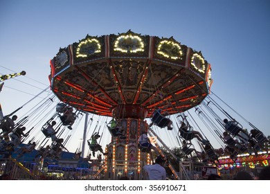 DALLAS, TX, - october 11, 2015: Swing ride at the texas state fair in dallas texas