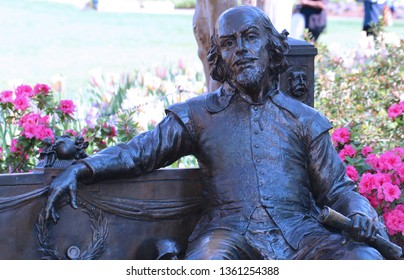 Dallas, TX/USA - April 2019 Shakespeare by artist Gary Lee Price given by the Dallas Shakespeare Club to the Dallas Arboretum  in honor of Mrs. Eugene McDermott in appreciation of her generosity.