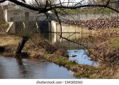 Dam on the Elbe River in Dessau Roßlau